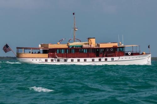 """Yacht """"Freedom"""" sailing along Hawk Channel"""
