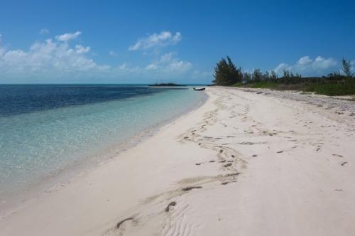 The beach at Bond Cay
